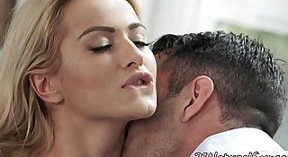 Pussyfucked euro babe sucks big cock